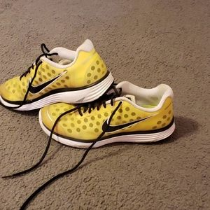 Cute YELLOW sneakers